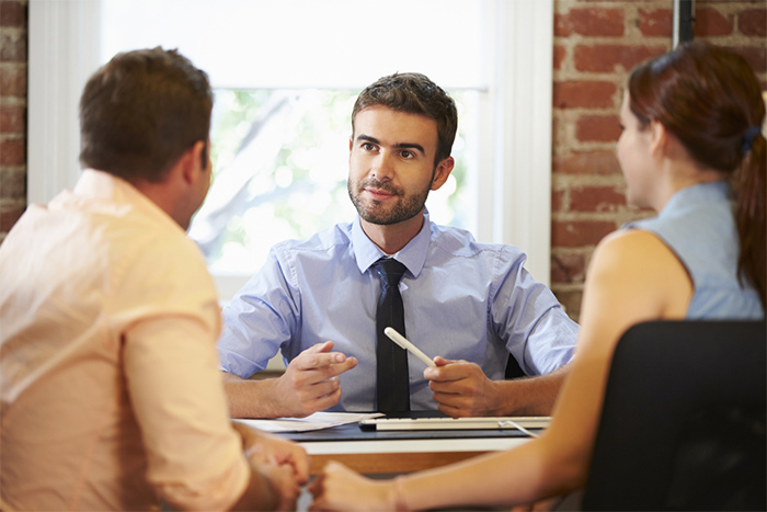 Gest & Pat est un cabinet spécialisé dans le conseil en gestion du patrimoine, en défiscalisation ainsi qu'en courtage de crédit immobilier et professionnel, d'assurance et en courtage de travaux.
